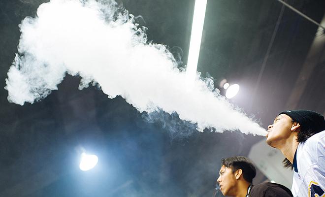 Пар от вейпа или электронной сигареты: как влияет на пожарную сигнализацию