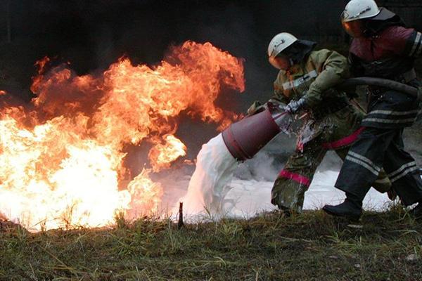 Тушение обычных пожаров пенообразователем
