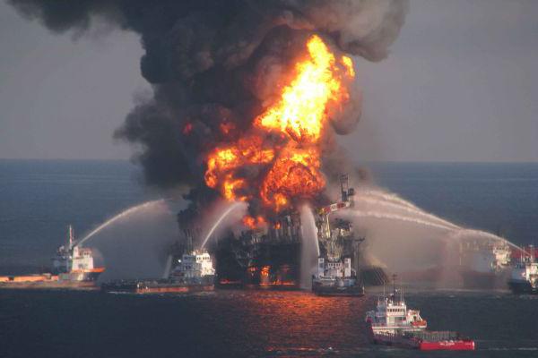 Тушение пожара на судне водой