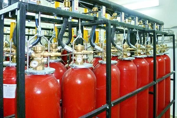 Установка газовой системы пожаротушения