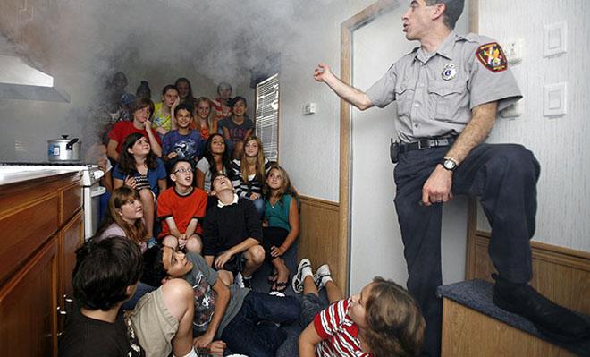 Тушение пожаров в школах и детских учреждениях