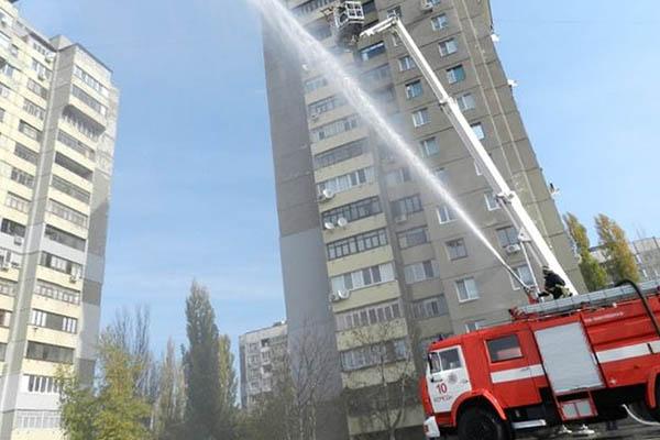 Тушение пожара в сооружениях повышенной этажности