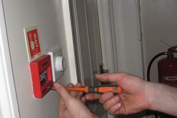 Установка пожарной сигнализации в помещениях