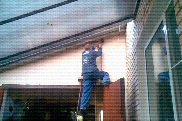 Процесс монтажа охранной сигнализации на даче