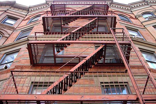 Наружная открытая лестница