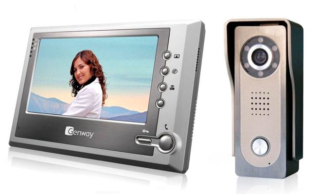 Домофон с видеонаблюдением: универсальное средство для квартиры и частного дома