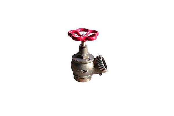 Пожарный вентиль с диаметром 65 мм