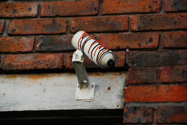 Муляж уличной камеры видеонаблюдения