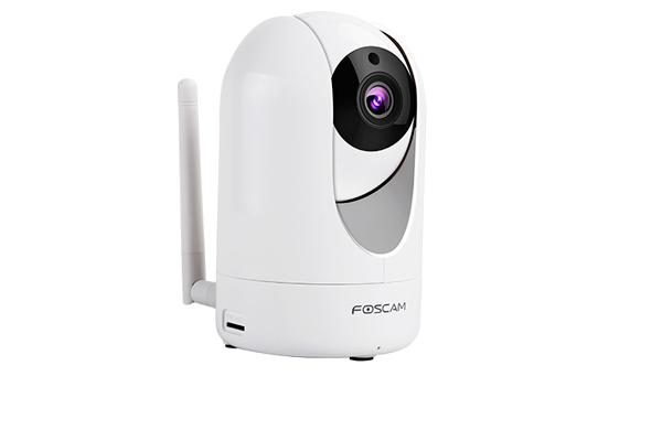 Поворотная купольная IP-видеокамера Foscam R2