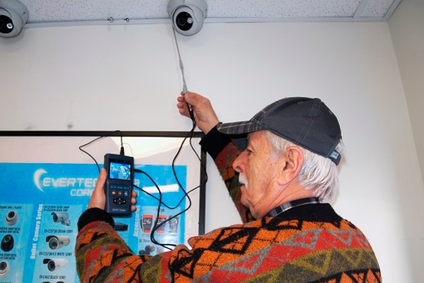 Тестирование картинки изображения при плановом ремонте системы видеонаблюдения