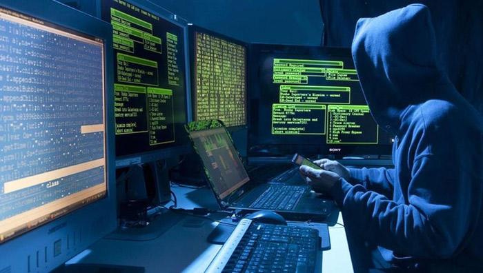 Воровство конфиденциальной информации с помощью хакеров