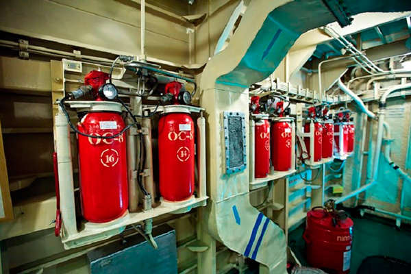 Размещение огнетушителей хладоновых на корабле
