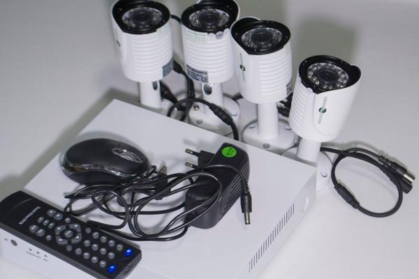 Комплект уличного видеонаблюдения Green Vision GV-K-G02/04 720Р