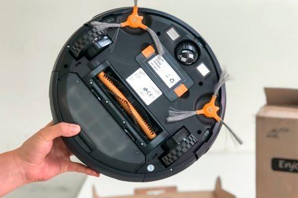 Вид снизу робота-пылесоса Puppyoo WP650
