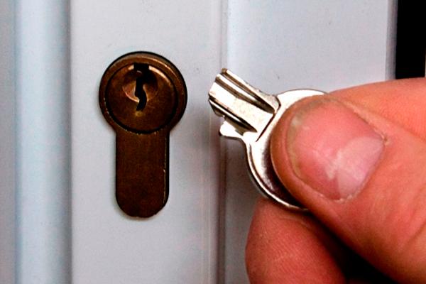 Поломка ключа - как одна из причин аварийного вскрытия замка