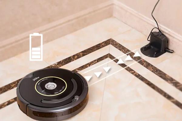 Процесс автоматической зарядки робота-пылесоса iRobot Roomba 664