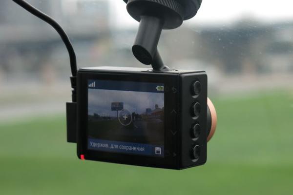 Видеорегистратор с GPS Garmin Dash Cam