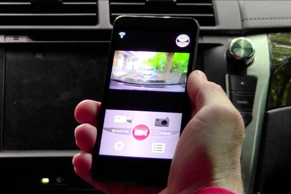 Подключение автомобильного видеорегистратора к смартфону