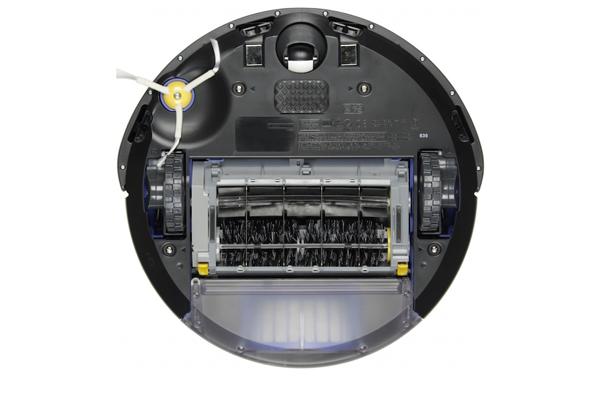 Вид с под низу робота-пылесоса iRobot Roomba 676