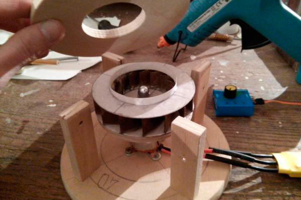 Изготовление моторной системы для самодельного робота-пылесоса