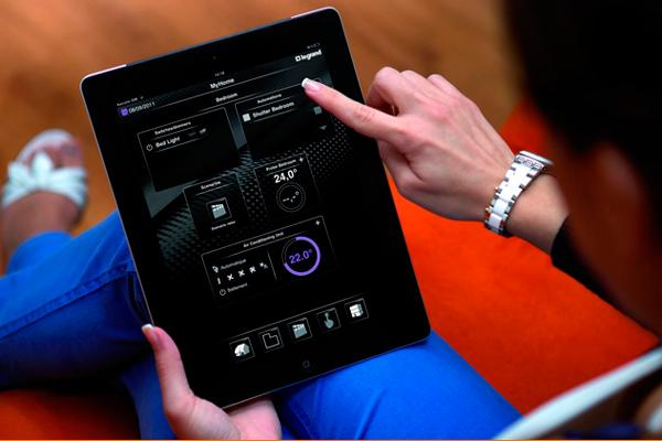 Управление «интеллектуальным» вентиляционным комплексом с помощью планшета