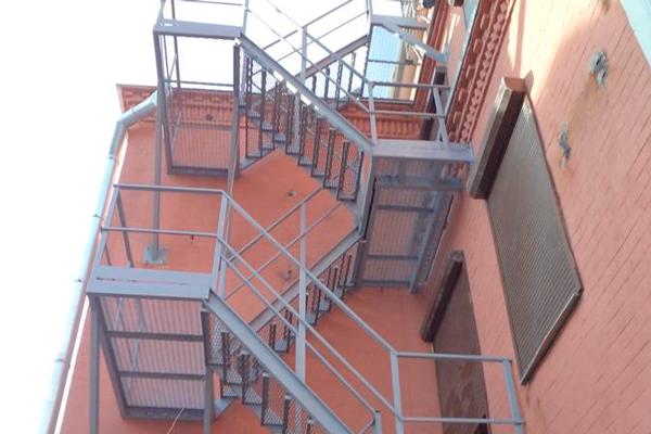 Маршевая пожарная лестница П-2