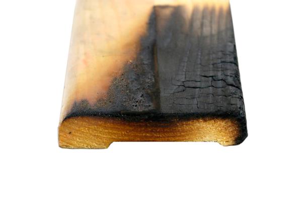 Реакция древесины покрытой огнезащитным лаком на возгорание