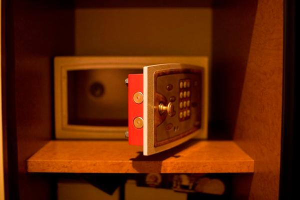 Мебельный противопожарный сейф