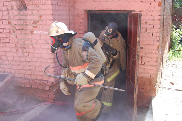 Применение лома пожарными