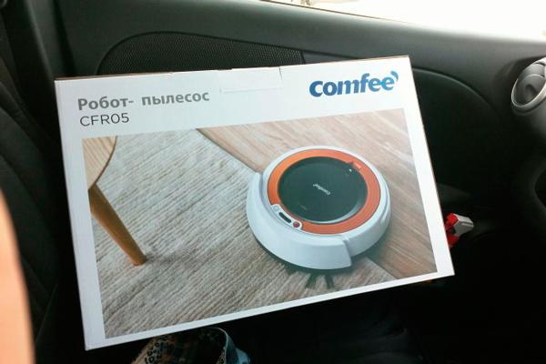 Робот-пылесос Comfee CFR05 в коробке
