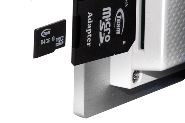 Разъем под SD-карту в видеодомофоне Slinex
