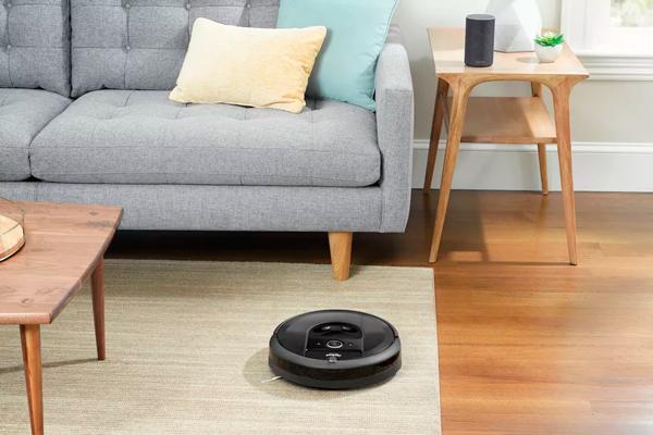 Внешний вид робота-пылесоса iRobot Roomba i7+
